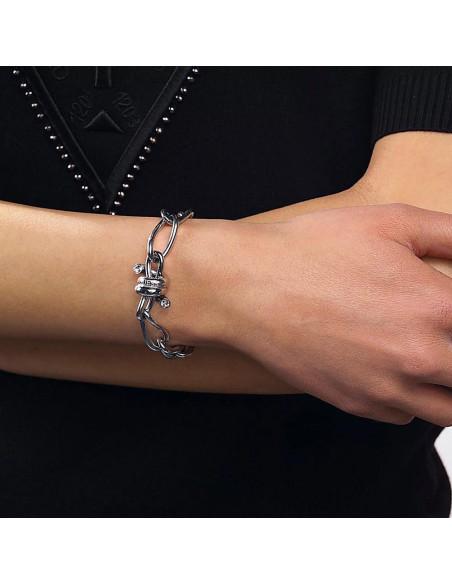 Pulsera Guess UBB29024-S Love wire espino plateado en acero con baño de rodio y cristales Swarovski puesta