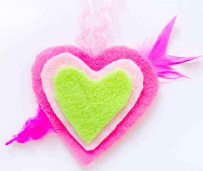 collar de corazones para niños